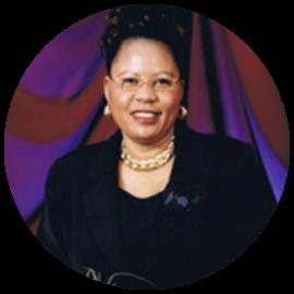 🇨🇦  Régine Alende Tshombokongo